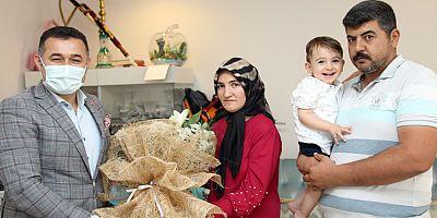 Başkan Yücel'den Ahmet bebeğin annesine sürpriz ziyaret