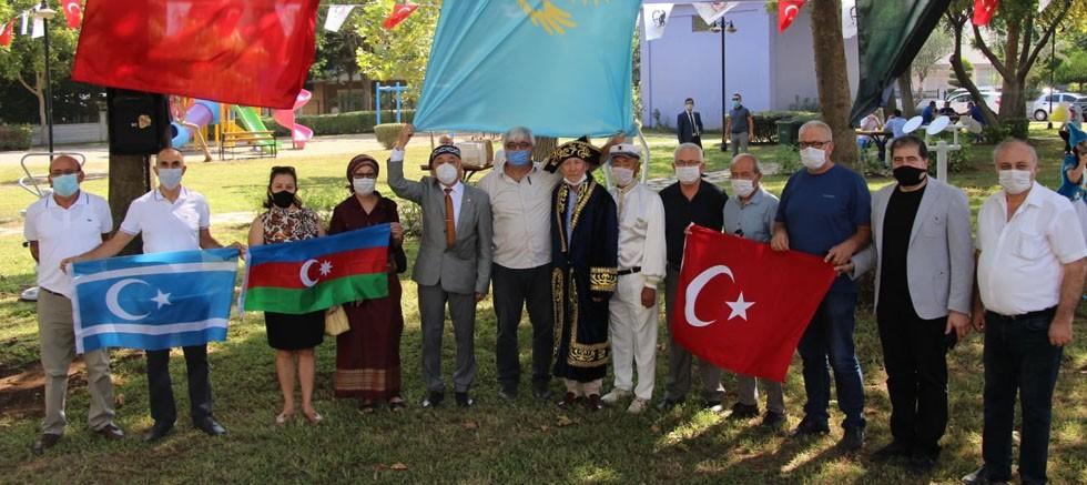 Türk Dünyası Antalya'da Kazak  Abay Kunanbayoğlu'nun park açılışına katıldı
