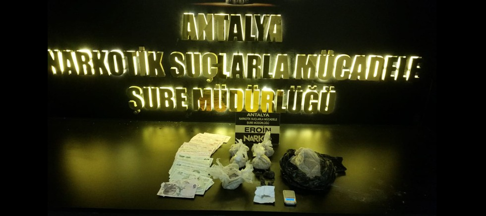Uyuşturucu madde ticareti yapan 2 şüpheli tutuklandı