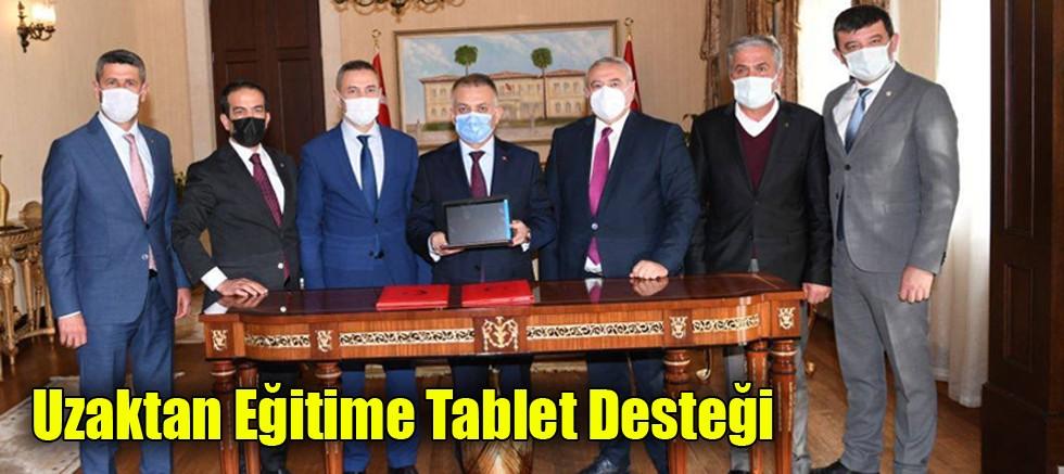 Uzaktan Eğitime Tablet Desteği