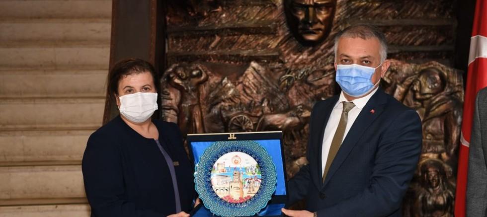 Vali Yazıcı, Antalya Olgunlaşma Enstitüsü'nü ziyaret etti