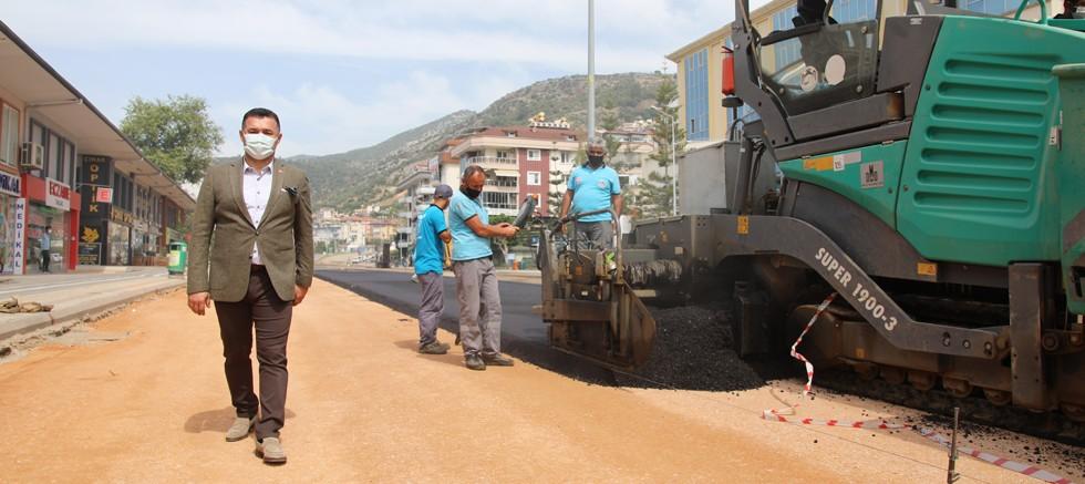 Yeni Prestij Caddesi'nde asfalt çalışmasına başlandı